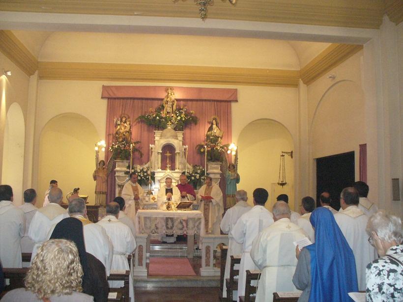 Novena de la Virgen en el Carmelo platense.