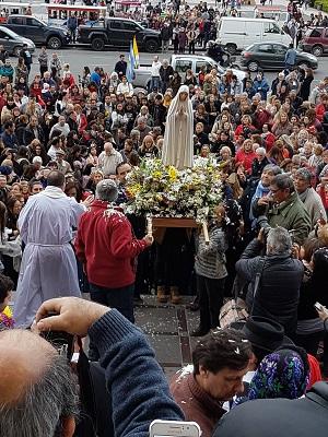 Vibrante y multitudinaria recepción de la Virgen de Fátima en La Plata