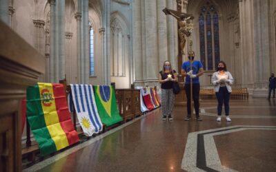 Se realizó el Via Crucis de los pueblos que organizó el equipo de la Pastoral de Migrantes e Itinerantes de la Arquidiócesis de La Plata
